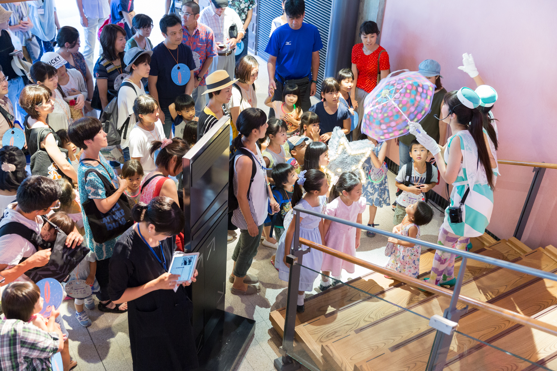 ロームシアター京都における、子ども向けプログラムの視線