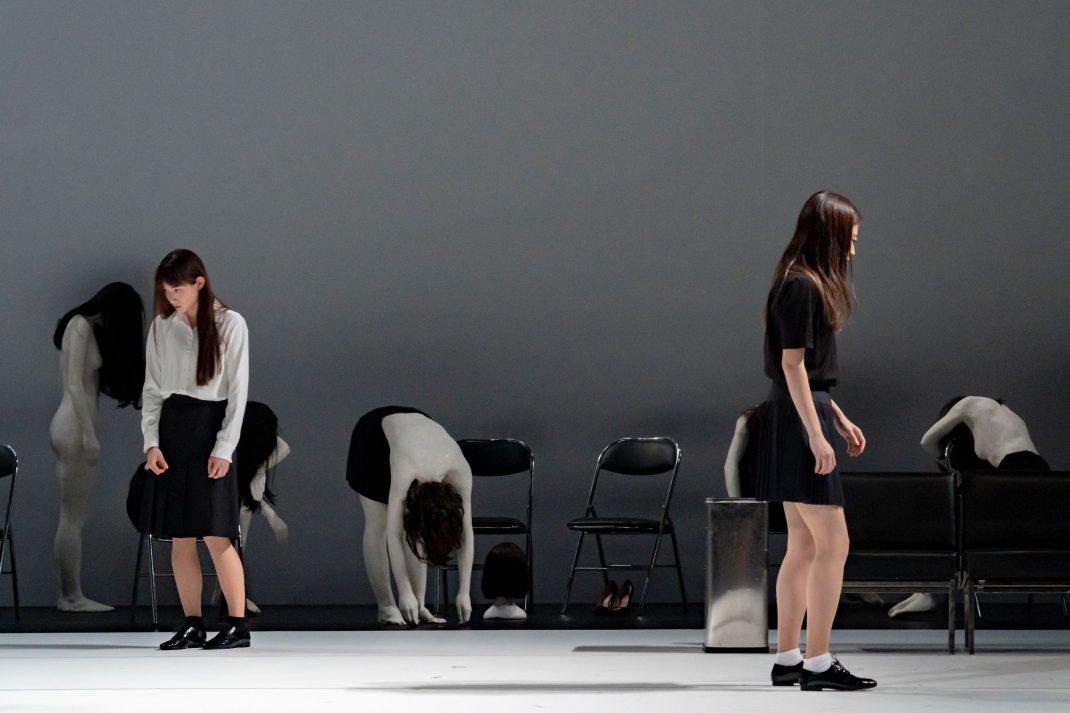 ジゼル・ヴィエンヌ、 エティエンヌ・ビドー=レイ 「ショールームダミーズ #4 」パリ公演