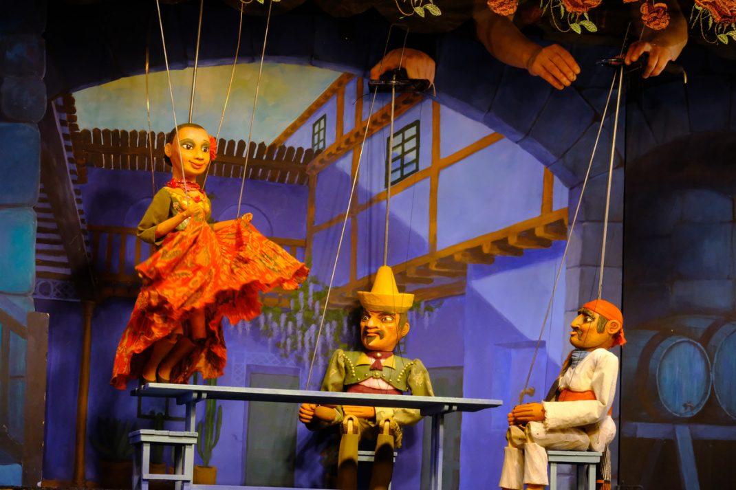 『快傑ゾロ』アルファ人形劇場 fromチェコ共和国
