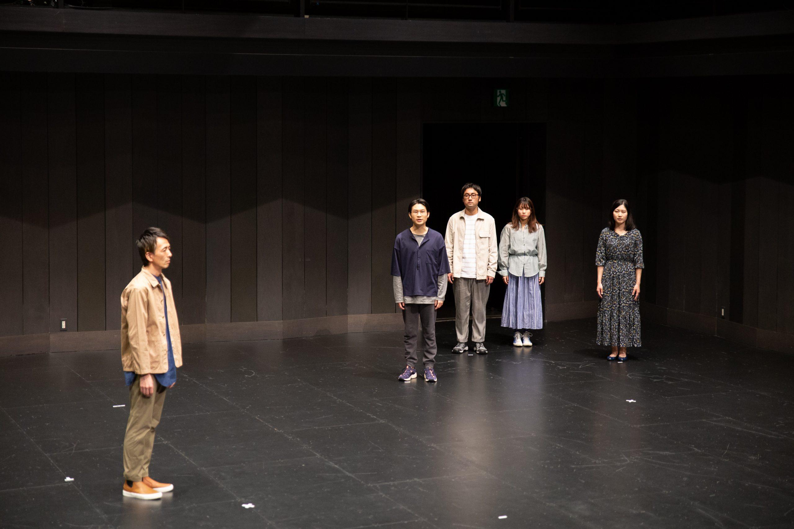レパートリーの創造  松田正隆作・演出『シーサイドタウン』記録写真