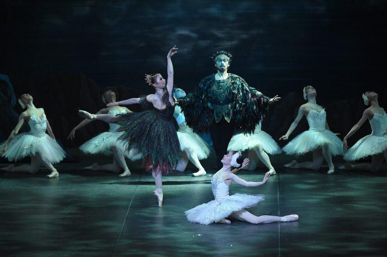 深川秀夫版「白鳥の湖」全幕公演 記録写真