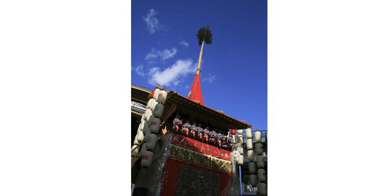 平成女鉾清音会二十周年事業/鉾建立・祇園囃子披露~平成女鉾二十歳~