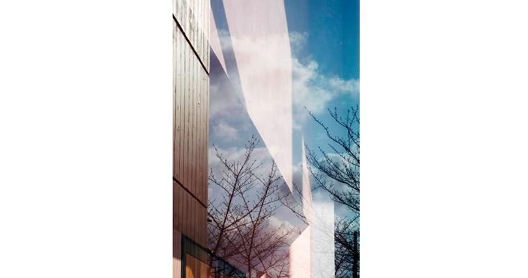 「歌う建築を聴く- architecture singing」クロージングイベントこれからの写真家、これからの書店 — 1+1=3にする
