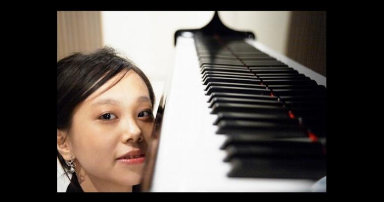 寒川晶子ピアノコンサート~未知ににじむド音の色音(いろおと)~